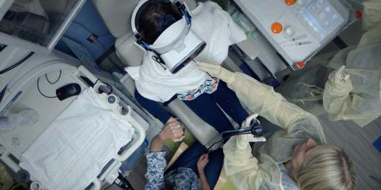 永利澳门游戏网站_联想联手Starlight儿童基金会利用VR替代儿童全身麻醉