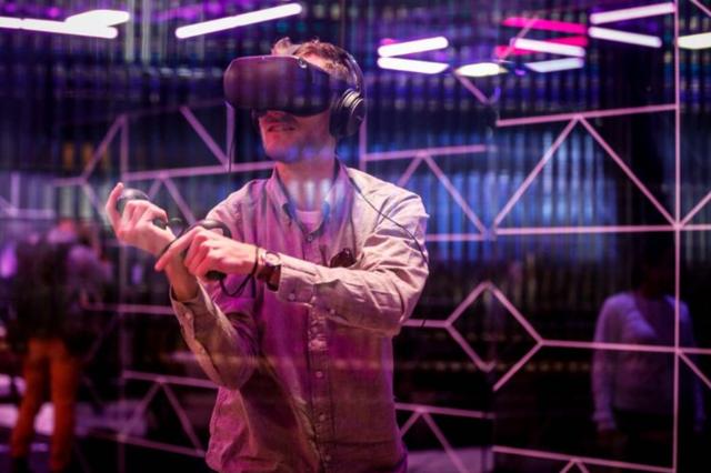 VR/AR助员工培训并加速生产效率